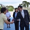 Cônsul Geral do Japão cumprimenta as Irmãs que vivem na comunidade.