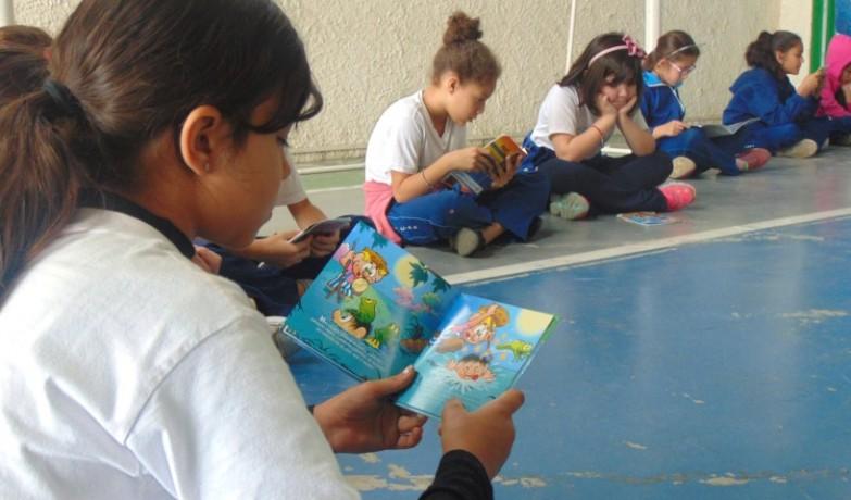 3ºHumildade_leitura_de_revistas (2) (Small)